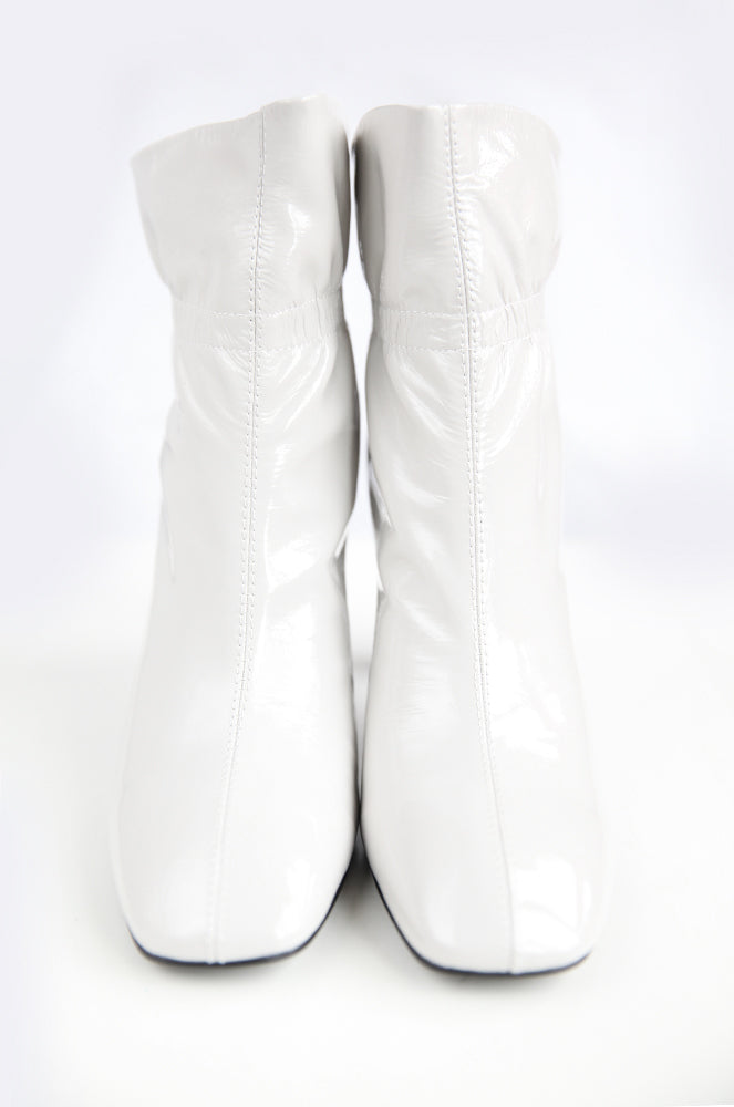 Sabrina boots in Silver white
