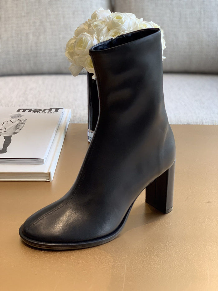 Mae boots in black