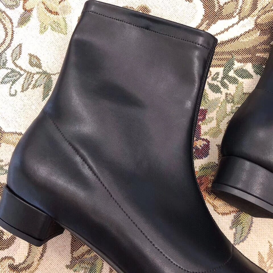 Samantha boots in black