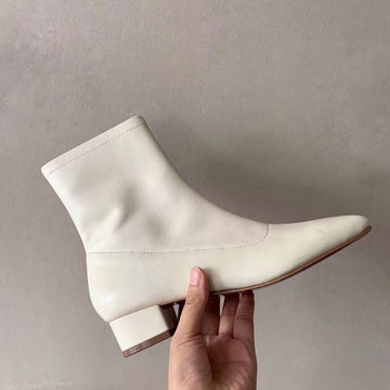 Samantha boots in white