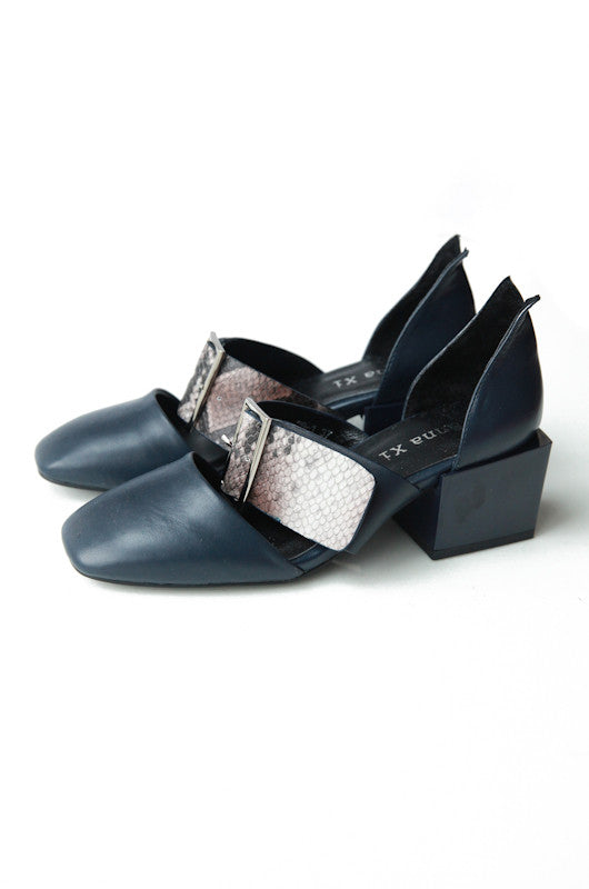 Jane Chunk Heel Loafers in Navy