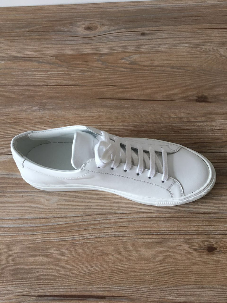 Gigi Sneakers in White