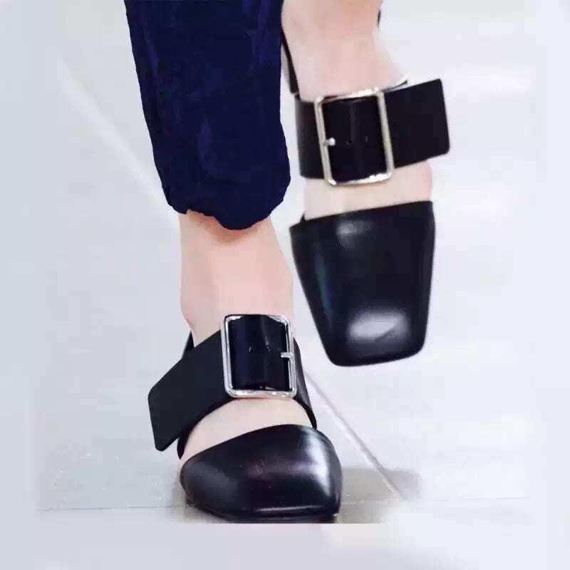 Jane Chunk Heel Loafers in Black