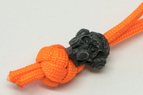 Halloween Brous Gas Mask Skull Diamond Knot Zipper Pull
