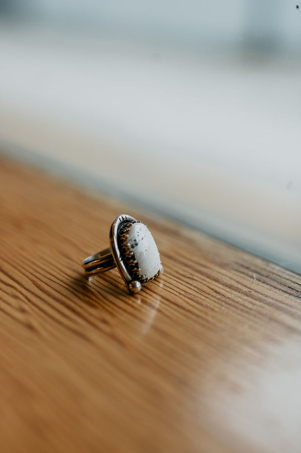 Vintage White & Black Ring