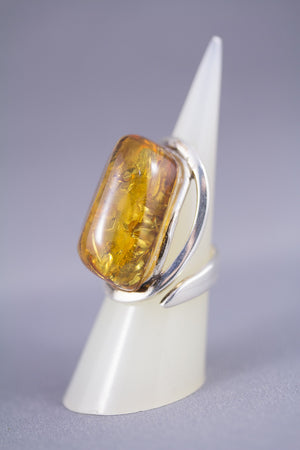 Line Patterned Cognac Baltic Amber and Sterling Silver Adjustable Ring Front