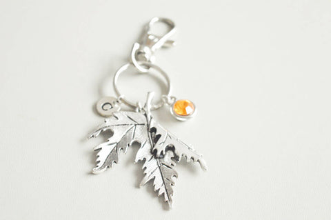 Maple leaf Keyring, Leaf Keychain, Key chain, Key ring, Maple leaf Charm, Maple leaf Jewelry, Maple leaf Gift, Leaf gift, Autumn Fallen leaf