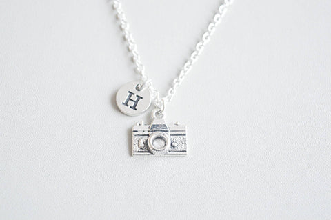 Camera necklace, Camera gifts, Photographer necklace, Photographer Jewelry, Photographer gift, Gift for Journalist, Camera Charm, Travel - YouLoveYouShop