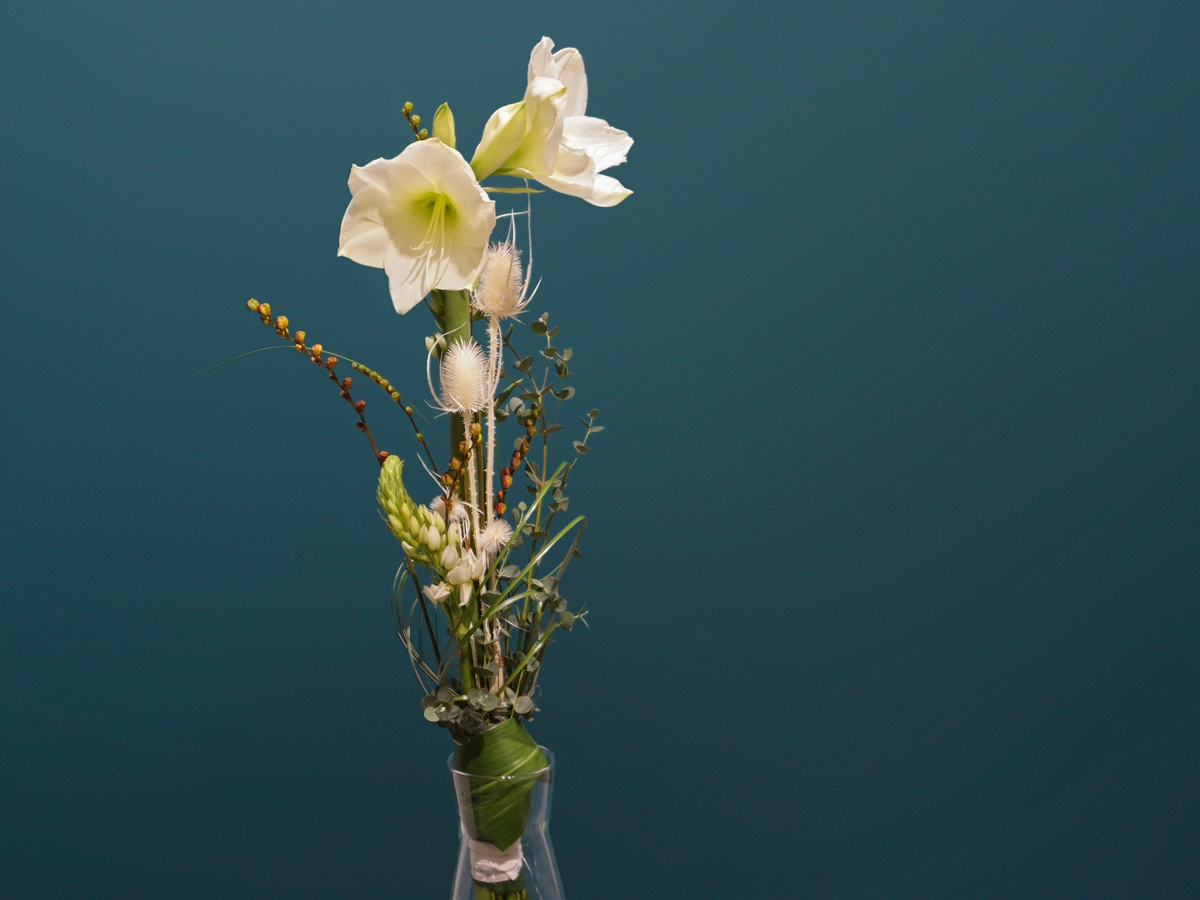 Bouquet of flowers with amaryllis / 02 /
