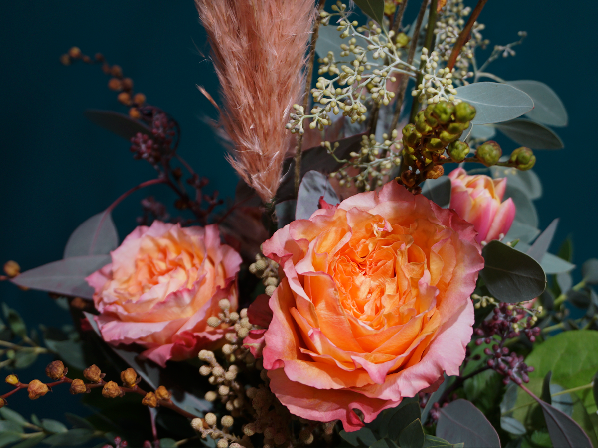 Flower bouquet with roses / 04 /