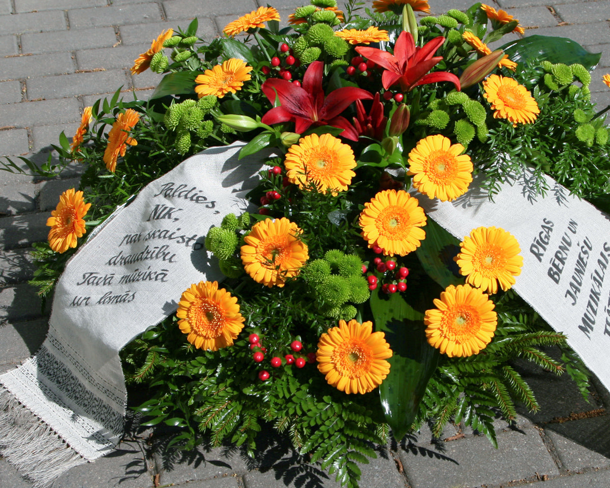 Funeral wreath / 13 /