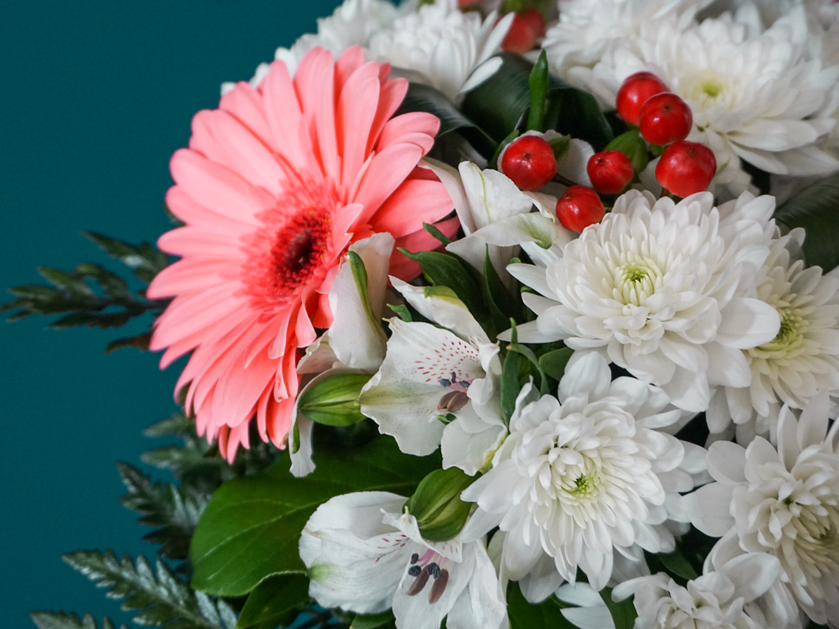 Bouquet of flowers with gerberas / 04 /