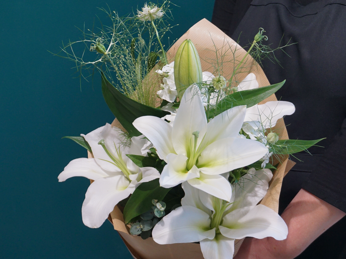 Bouquet of flowers with lily / 03 /
