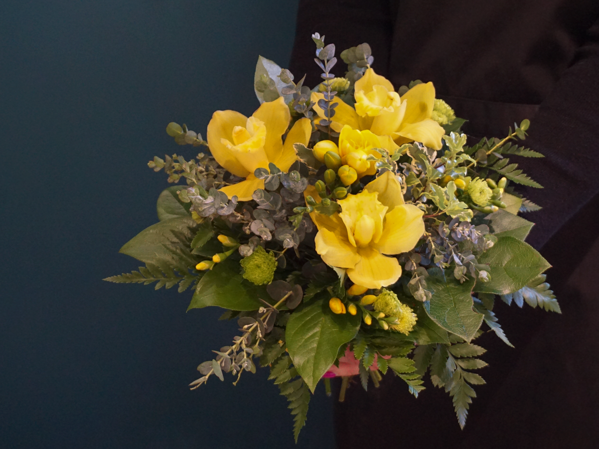 Bouquet of flowers with orchids / 01 /