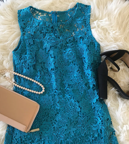 https://www.ledyzfashions.com/products/enchanted-evening-teal-blue-illusion-lace-dress