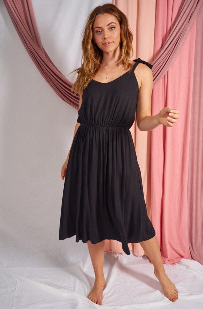 In The City Sleeveless Black Sweetheart Dress