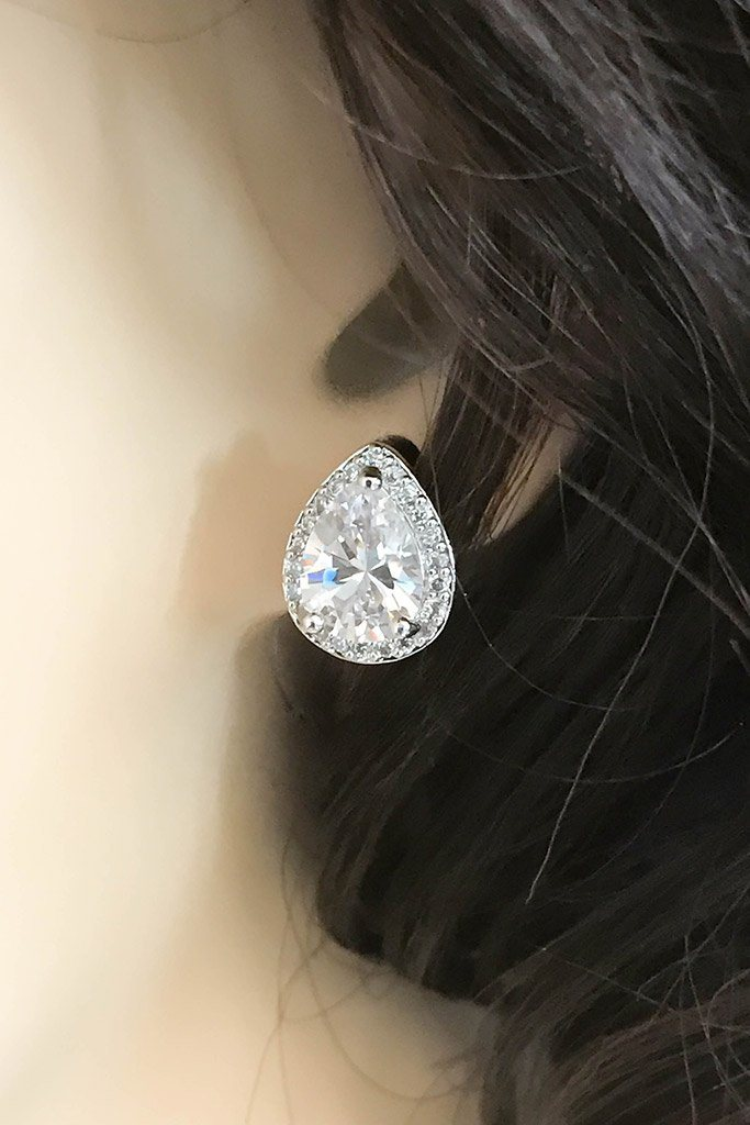 Light In The Night CZ Diamante Teardrop Stud Earrings 2
