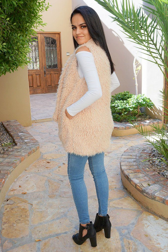Ready In No Time Blush Faux Fur Sleeveless Vest 2
