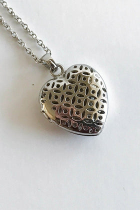 The Moment Of Love Silver Heart Perfume Necklace 1
