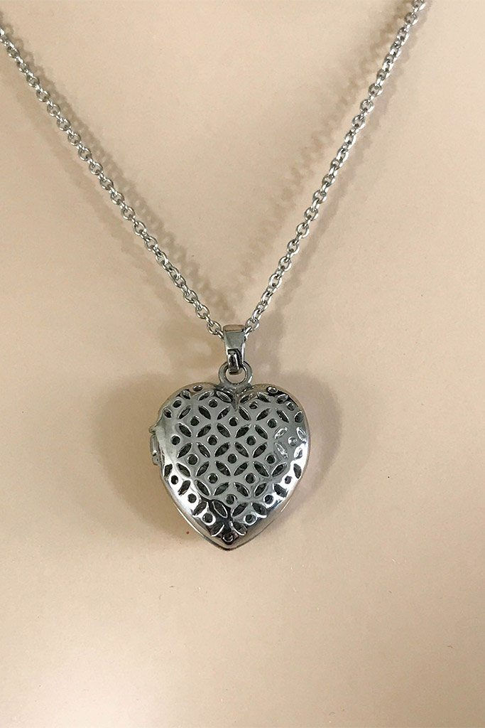 The Moment Of Love Silver Heart Perfume Necklace 2