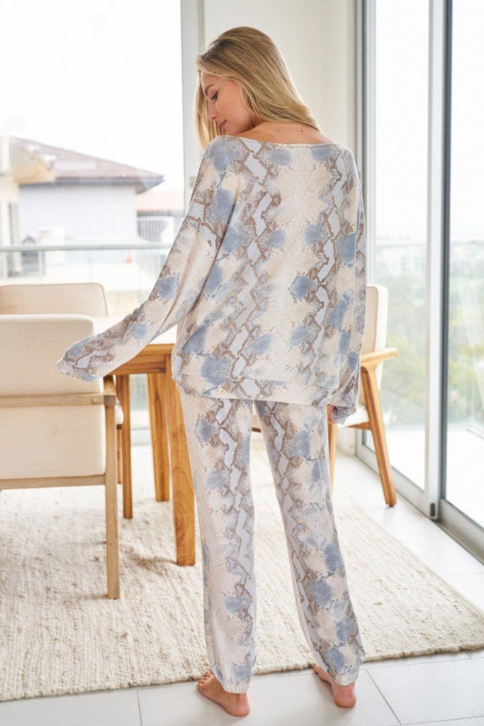 Wild Intentions Blue Snake Print Loungewear Set 2