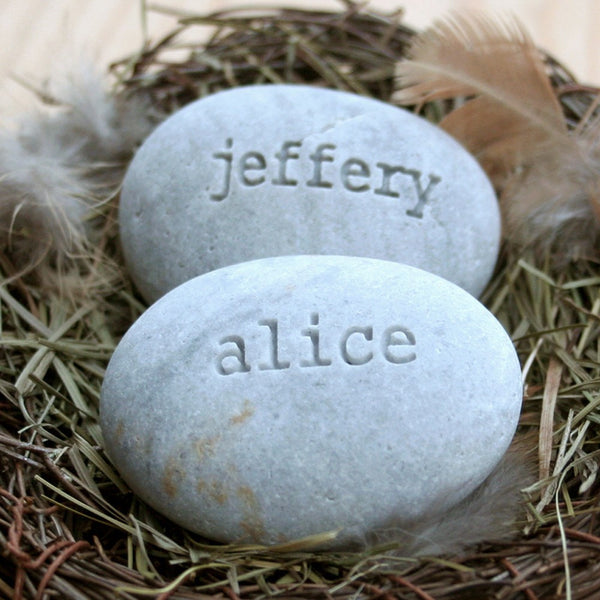 Customized wedding anniversary gift for couple - Engraved stones in nest with custom names