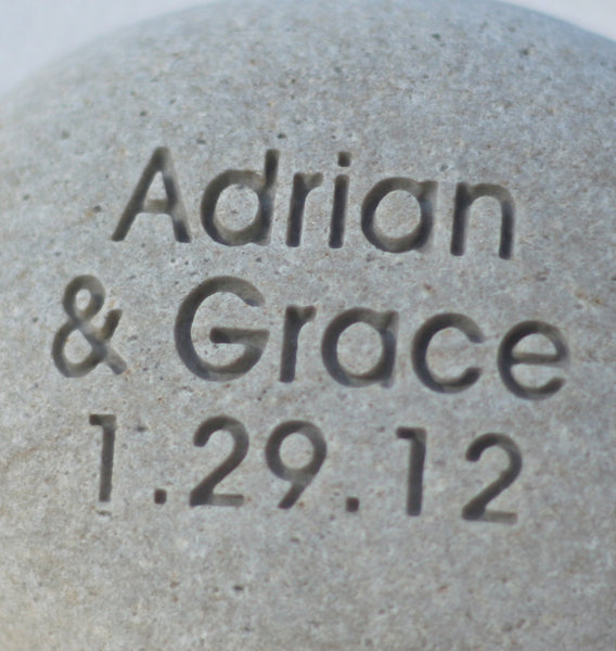To have to hold - Personalized Modern Design oathing stone - for wedding, commitment, ceremony by SJ-Engraving