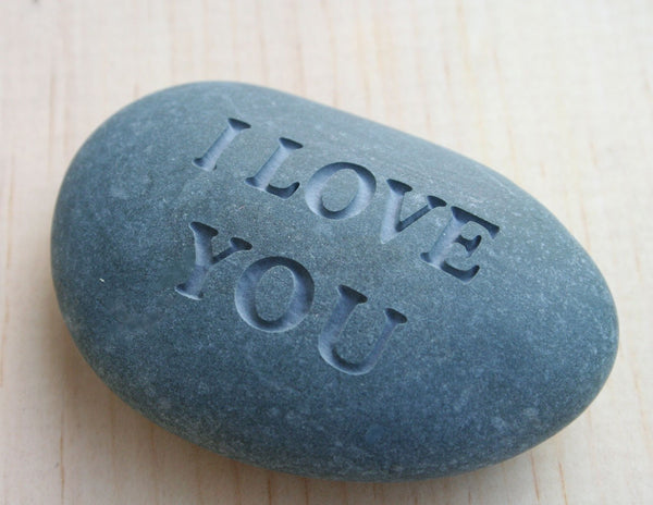 Mom, I love you - Double sided engraved stone in Gift Box