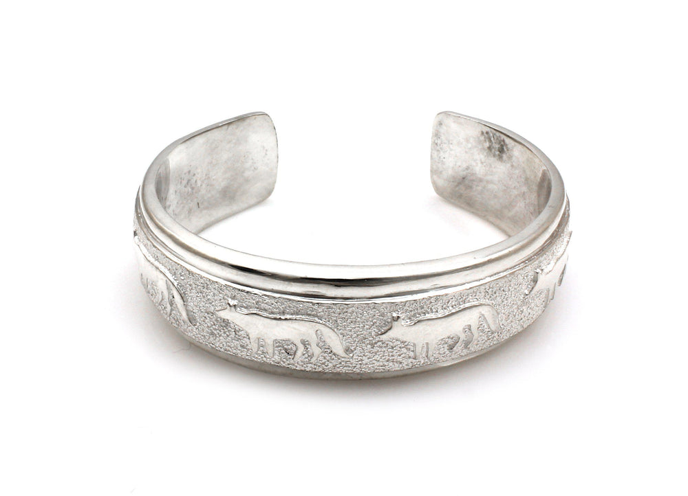 All Metal Wolves Cuff Bracelet