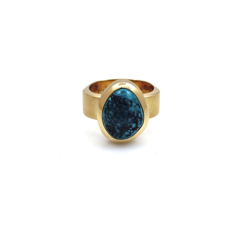 Lone Mountain 18K Gold Ring