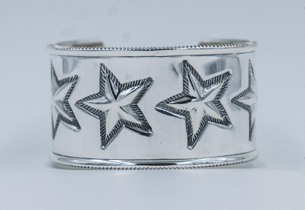 6 Star Coin Edge Bracelet