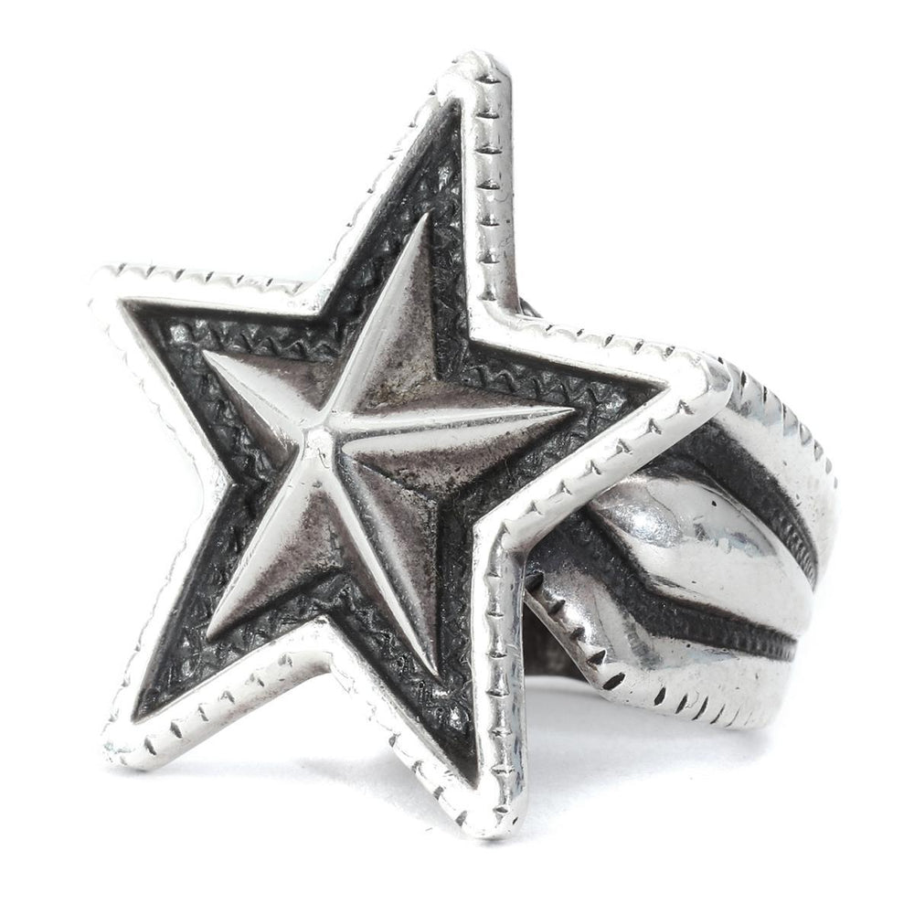 Medium Star Ring