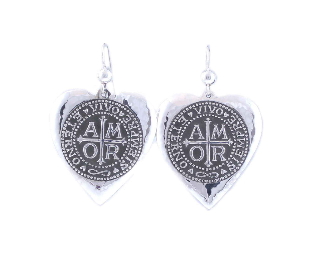 Medium Amor Heart Earrings