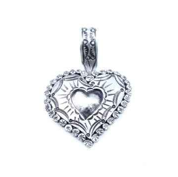 Medium Puffed Heart Pendant