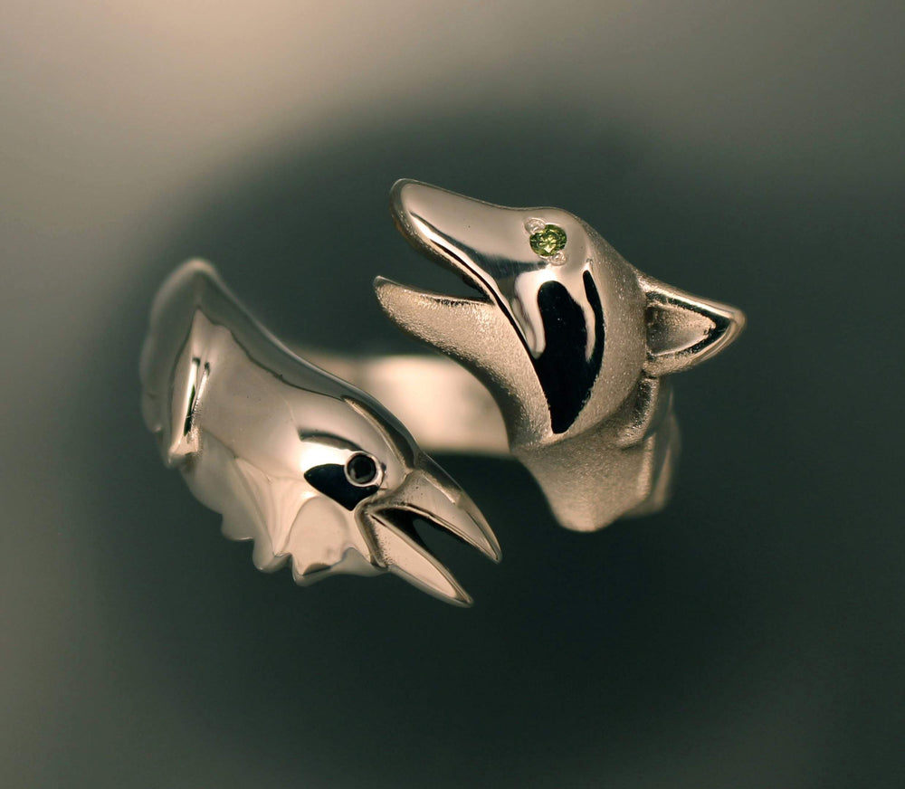Raven & Wolf Ring - Silver with Diamond Eyes