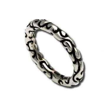 Thin Swirl Ring