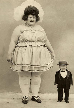 World's Largest Woman & Smallest Man - Clarence 'Major Mite' Howerton - 1922 - Magnet