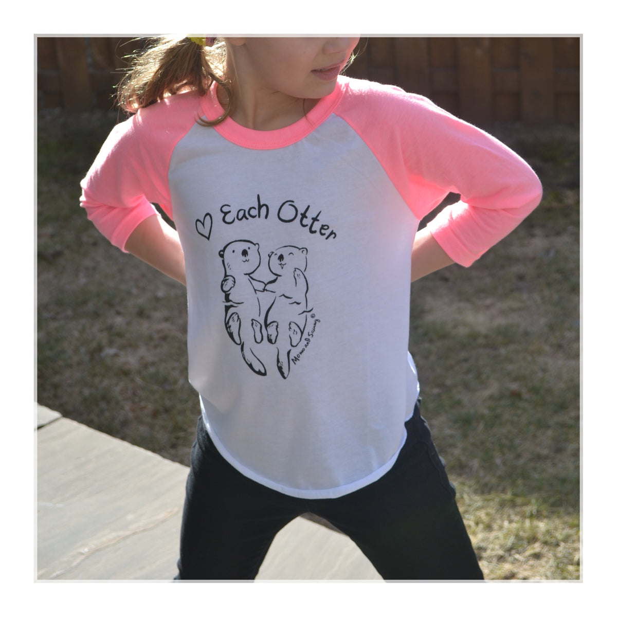 LOVE EACH OTTER - Kids Baseball Tee