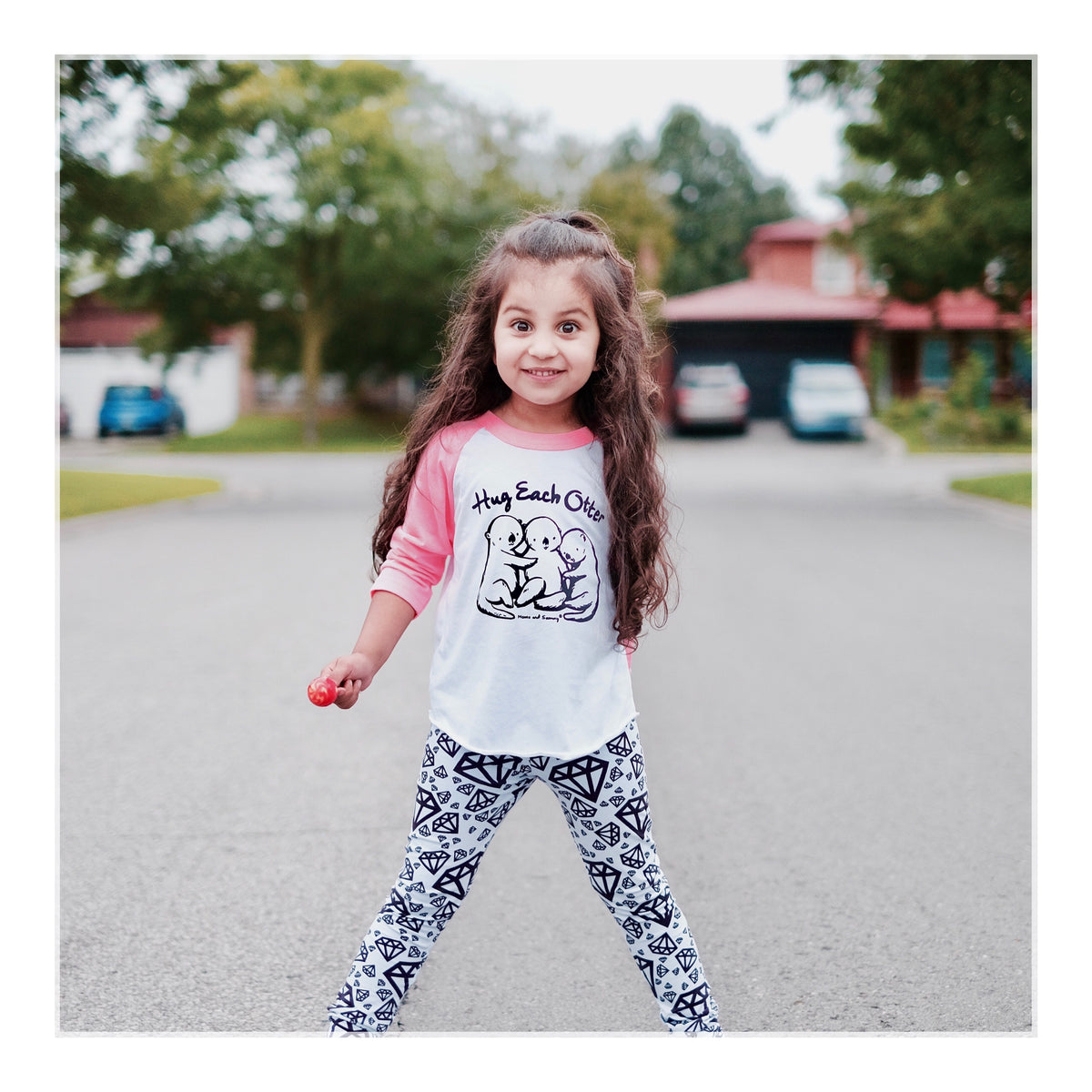 Trendy Hug Kids Tee | Momo and Sammy Clothing Co.
