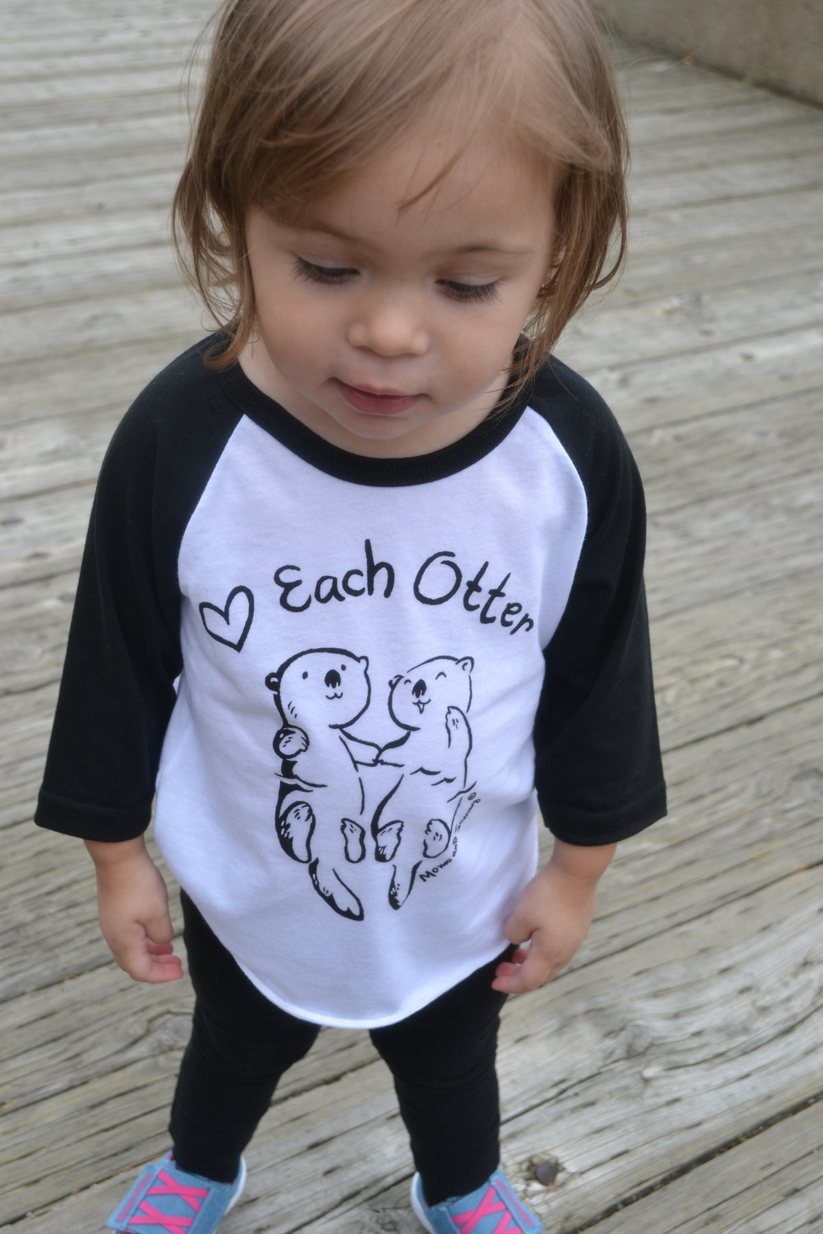 Modern, unisex kids tee - Love Each Otter