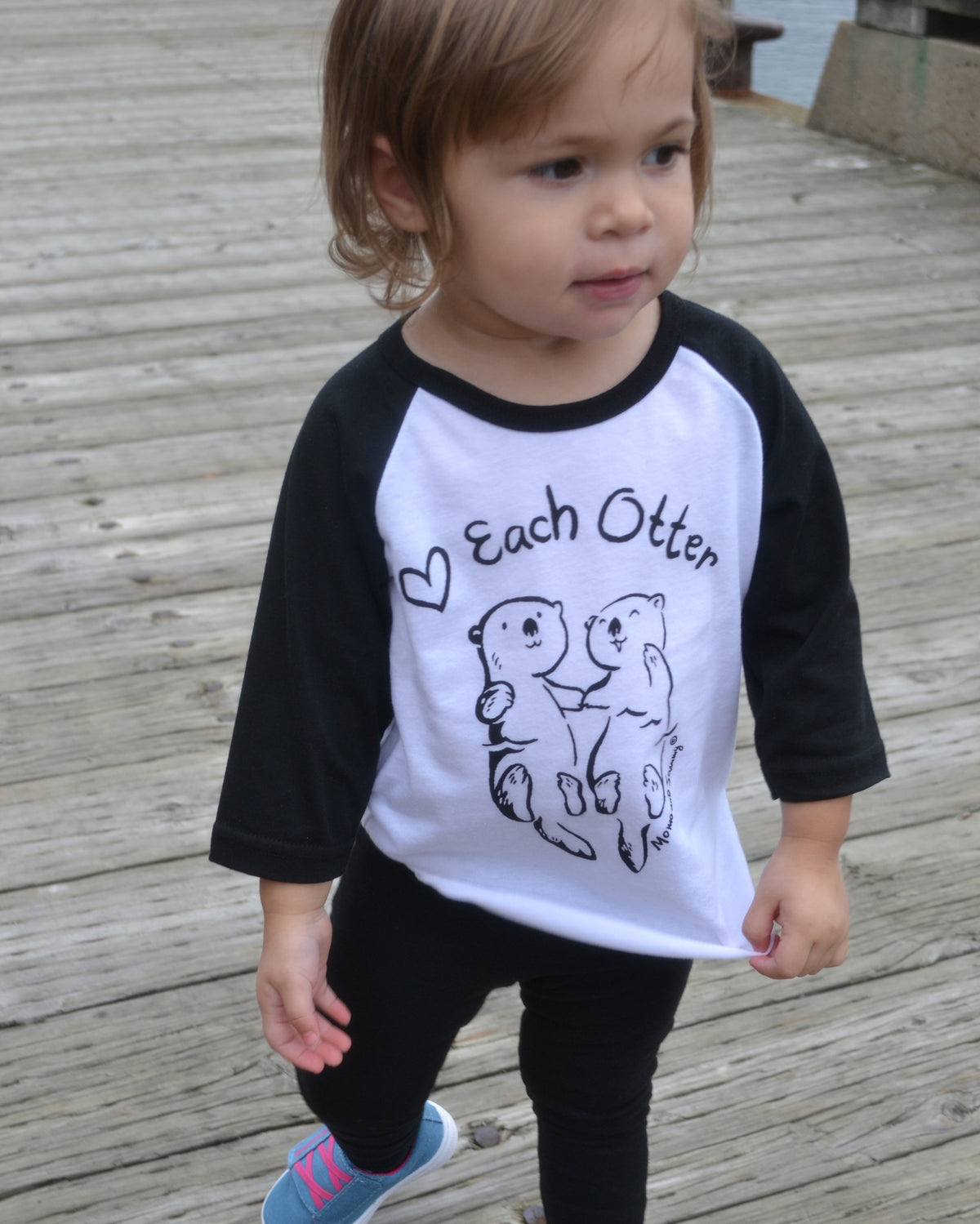 Love Each Otter - Modern, unisex kids shirt