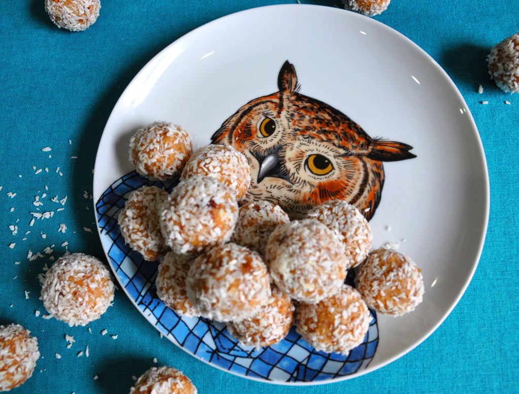 Coconut & Vanilla Protein balls by the STRIPPD team