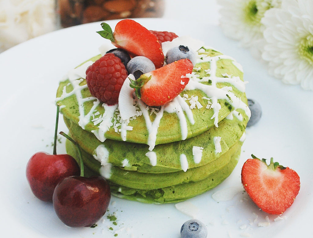 MATCHA PROTEIN PANCAKES BY MAIKEN FORTES @maikenf