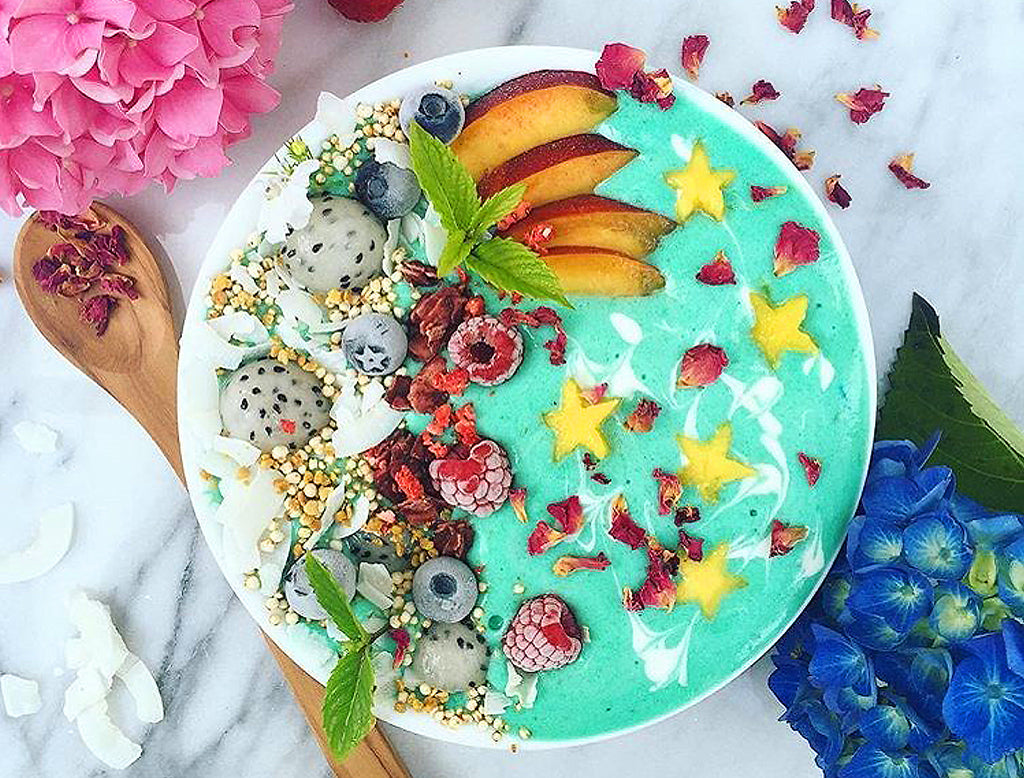 MERMAID SMOOTHIE BOWL BY MAIKEN @maikenf
