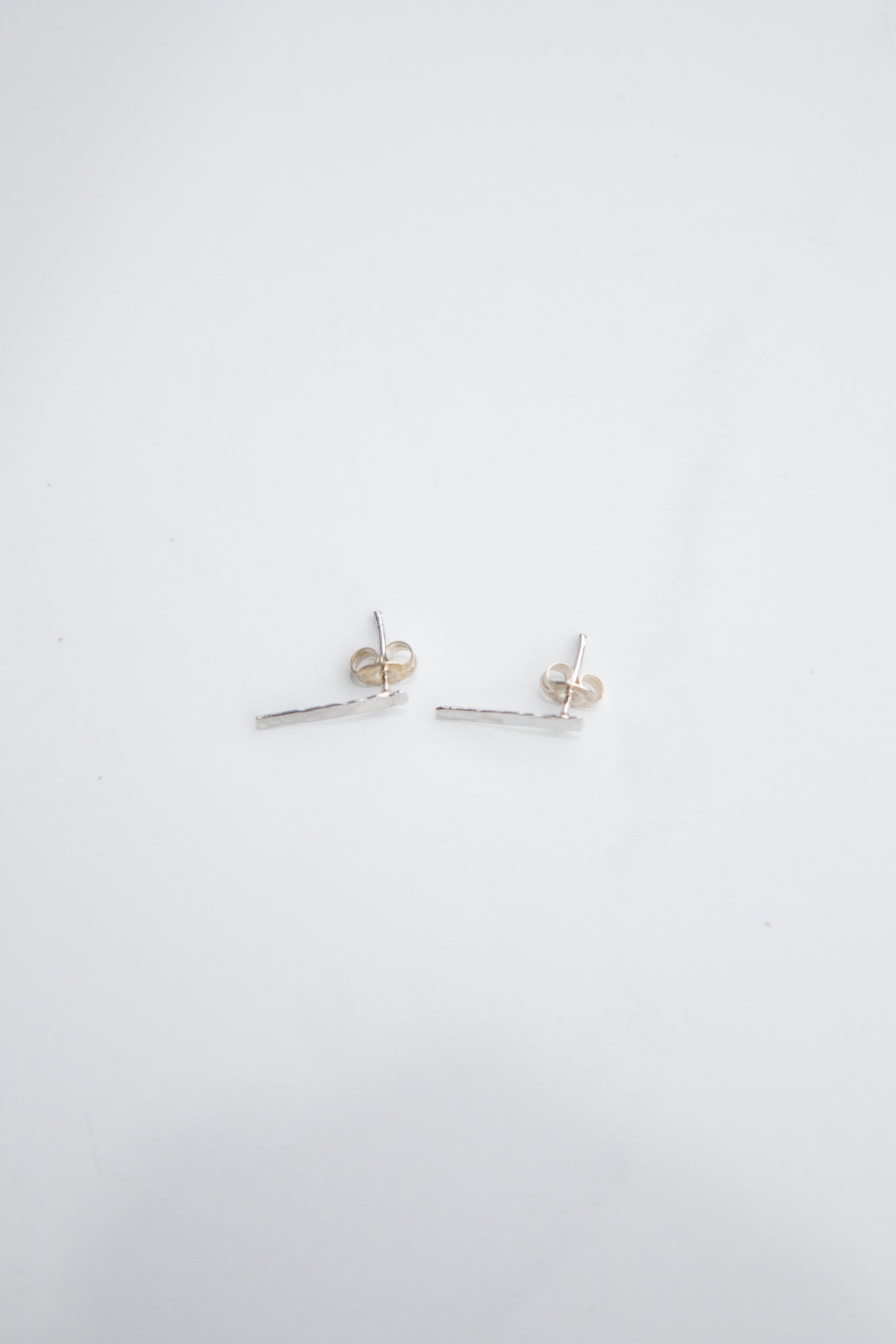 Hammered Bar Studs - Silver