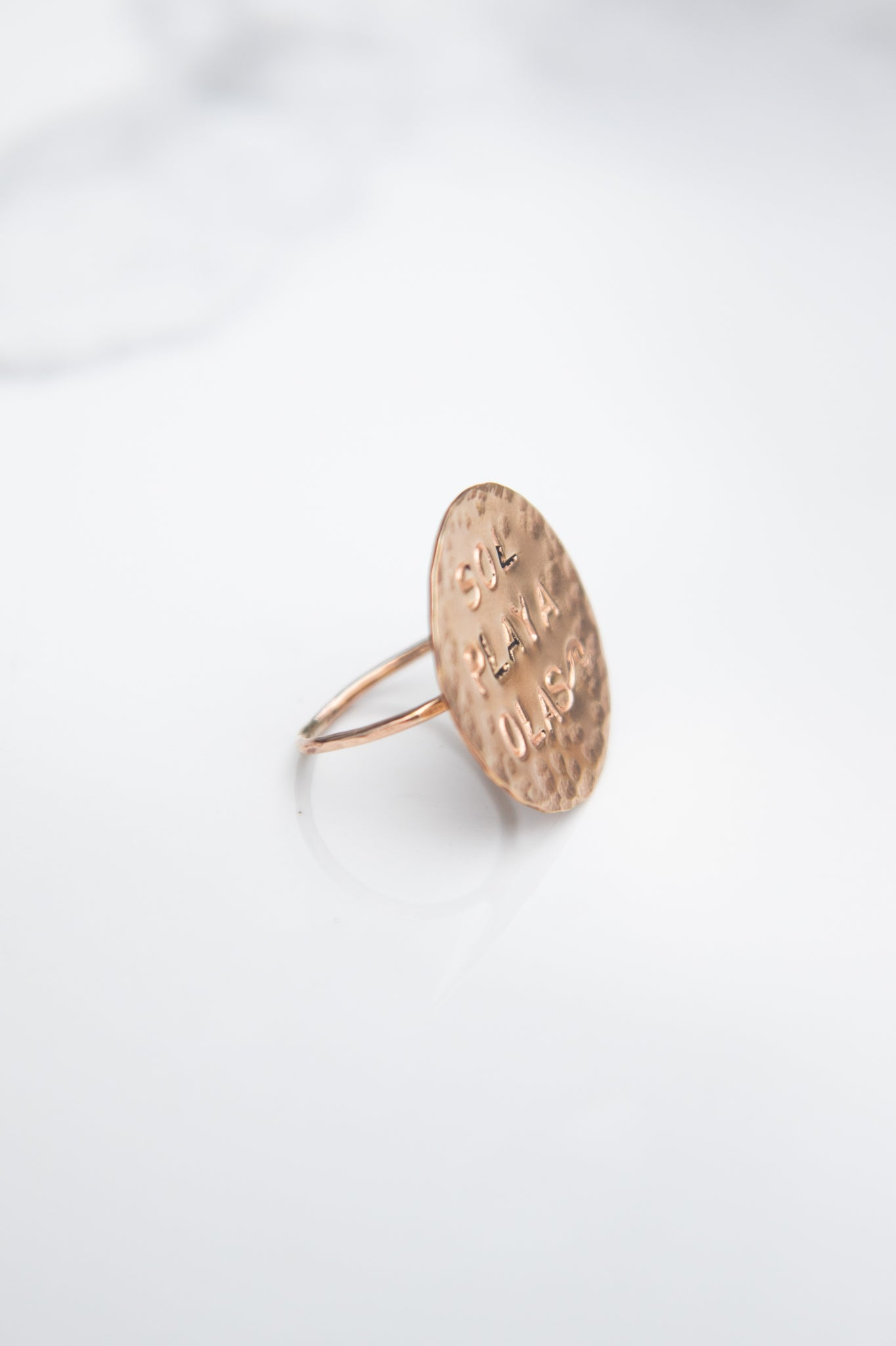 Sol - Playa - Olas -  gold circle Ring