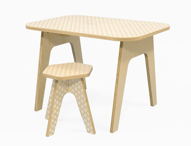 wooden kids table with silkscreen printed white stars on it. stable sturdy and of high quality. studio delle alpi design