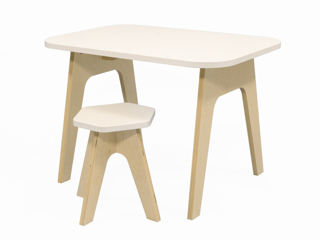 wooden kids table with an anti scratch paint. stable sturdy and of high quality. studio delle alpi design