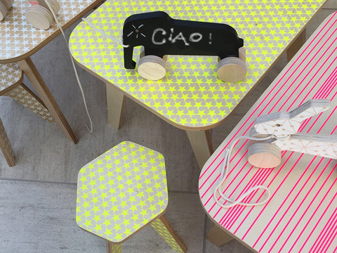Wooden table for kids - Office table yellow stars | Studio delle Alpi