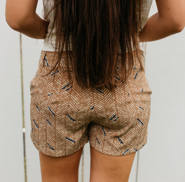 Natural/Navy Print Shorts